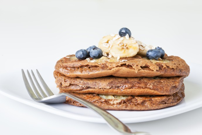 Whole wheat pancakes with fruit